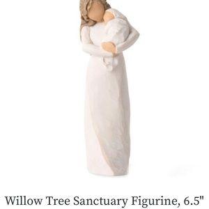 NWT WILLOW TREE FIGURINE